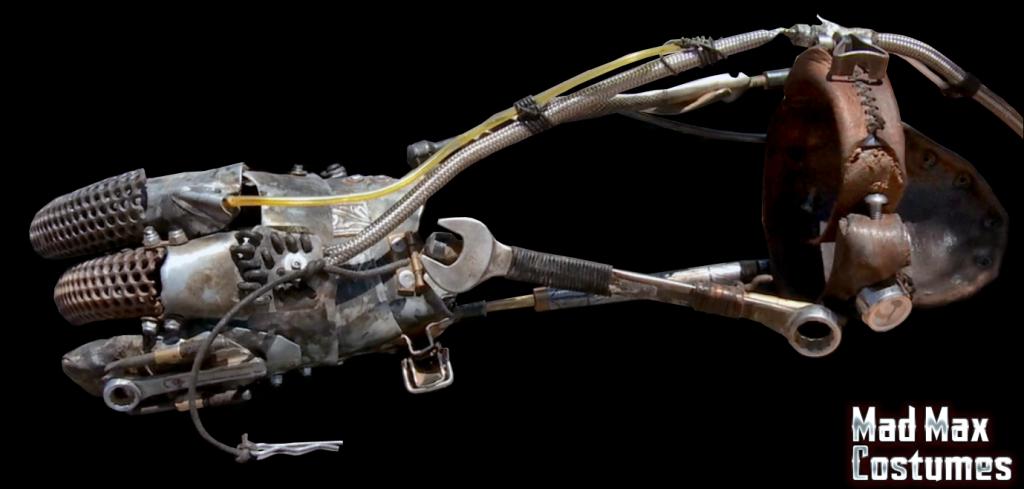 Mad-Max-Fury-Road-Imperator-Furiosa-Stunt-Arm-Tools